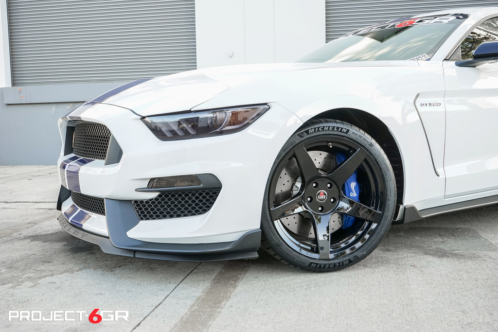 The Fantastic Look of a White Mustang with Black Rims