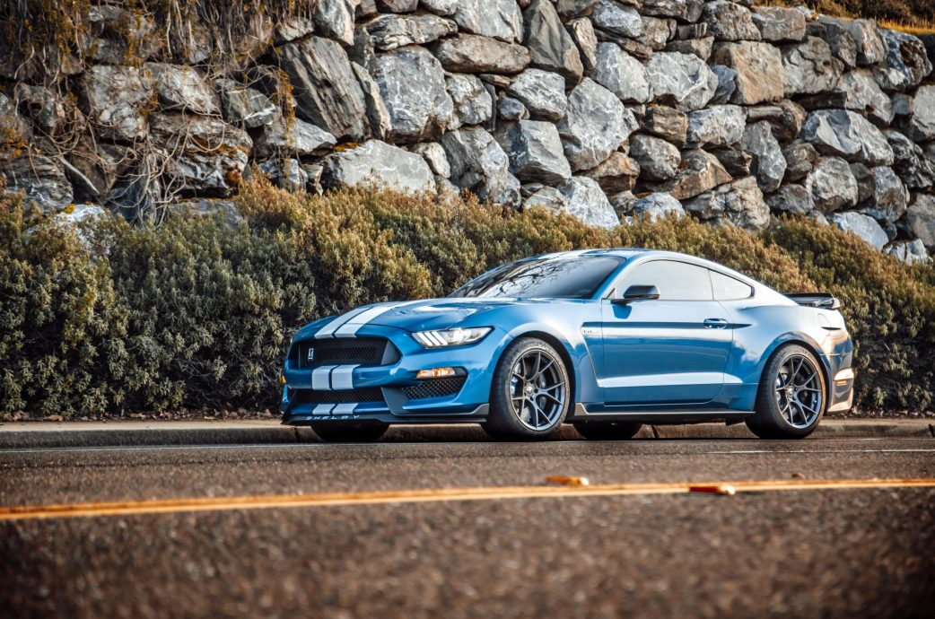 Blue Shelby GT350 completed with Project 6GR 10-TEN wheels in the R-spec setup