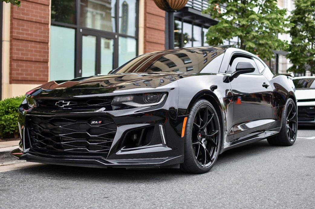 2019 Chevrolet Camaro ZL1 sporting Spun Forged Project 6GR 10-TEN spoke in Gloss Black