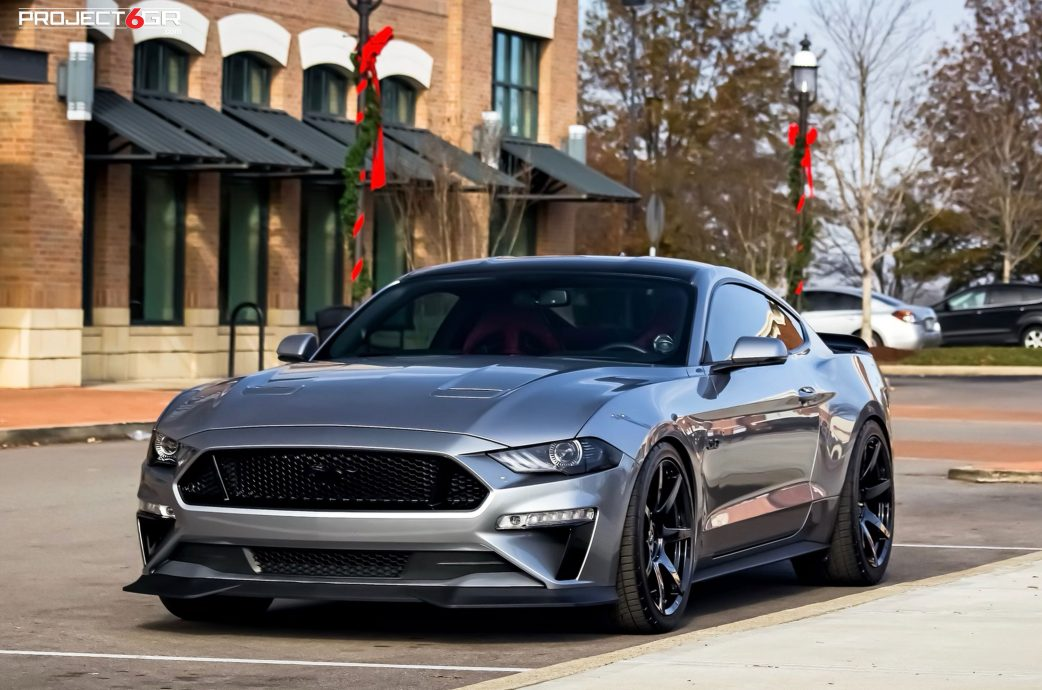 Iconic Silver Mustang GT gets a new color combo sporting Project 6GR 7-SEVEN wheels in Gloss Black finish